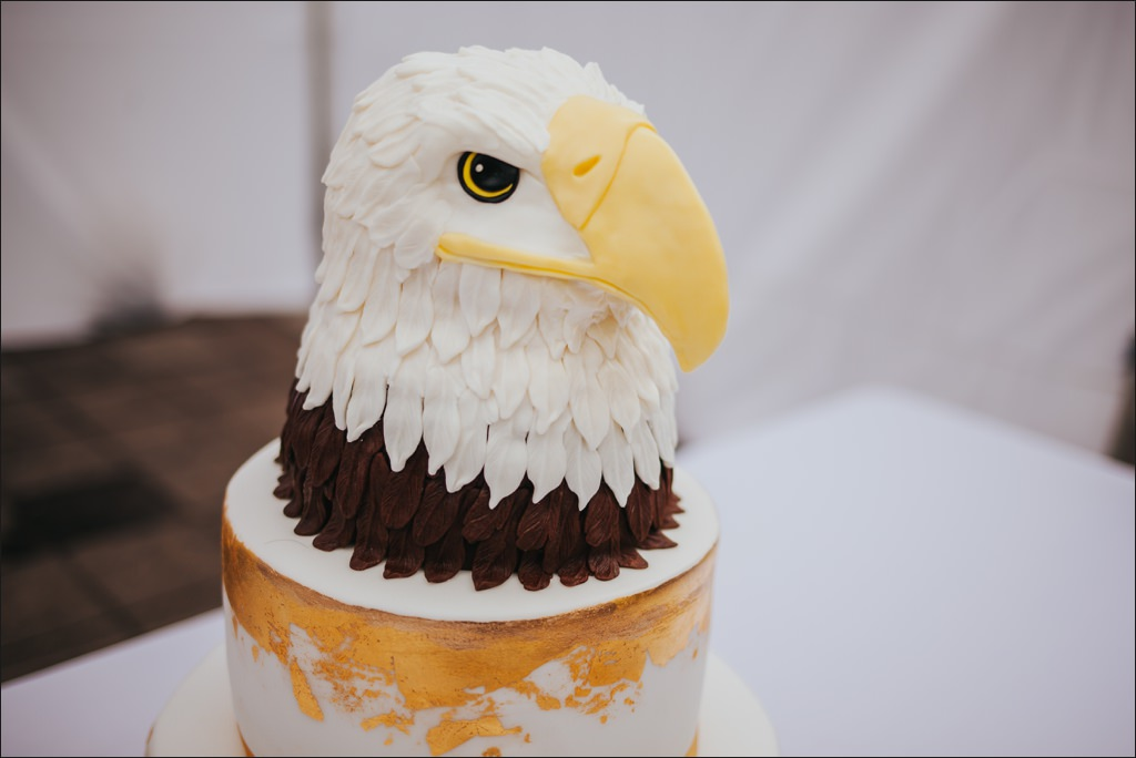 eagle wedding cake